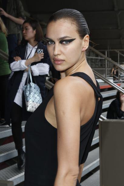 Las modelos se mostraron amigables con las prensas y no dejaron de posar...