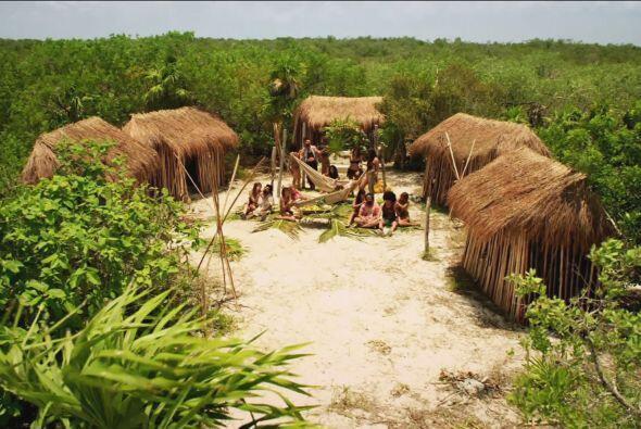 En la isla, Los Héroes del Norte encontraron una aldea de hermosa...