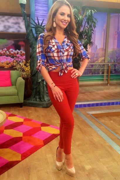 """""""La fotico del look de hoy en @DespiertaAmeric"""", mostró Ximena Córdoba...."""