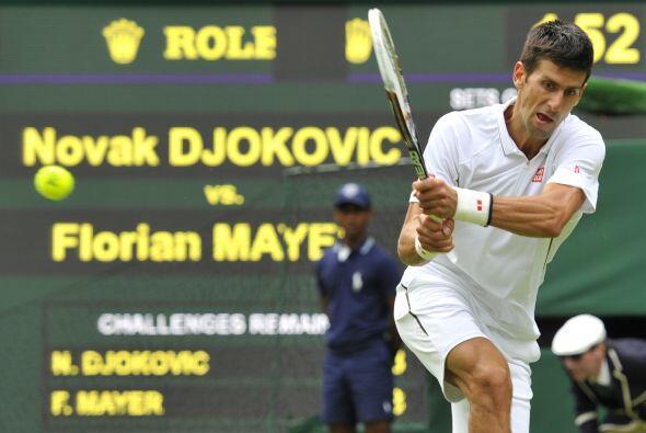 El número uno del mundo, el serbio Novak Djokovic, solvent&oacute...