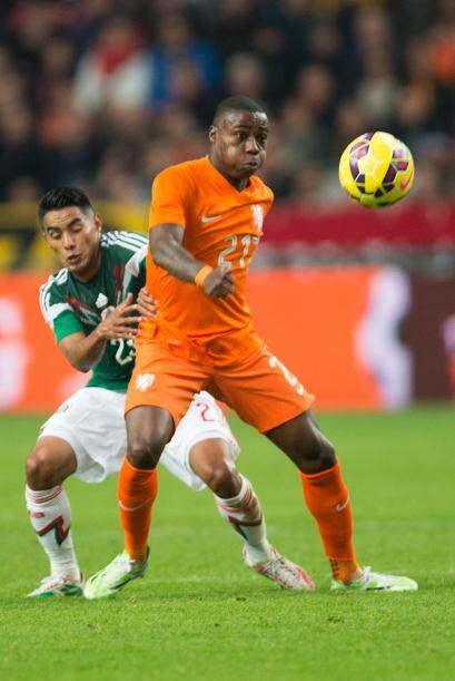 El holandés Geroginio Wijnaldum tuvo la oportunidad de empatar el encuen...