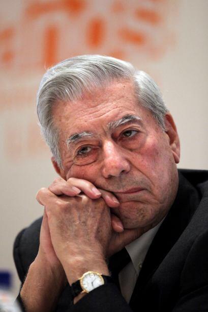 """Vargas Llosa """"considera que un autor no debe simplemente distraer"""", agre..."""