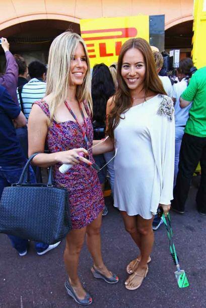 Jessica Michibata (der.), novia del ex campeón Jenson Button de la escud...