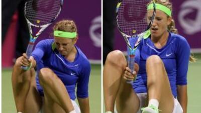 Victoria Azarenka se lesionó el tobillo durante la semifinal del Abierto...