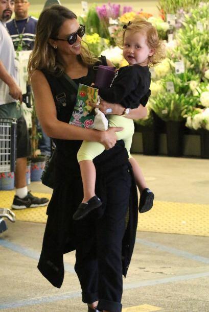 Gracias a su adorable hija, Jessica salió victoriosa y con la mejor acti...