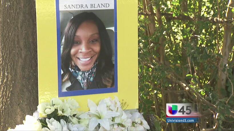Honran memoria de oficial boricua asesinado en NY Sandra_Bland.jpg