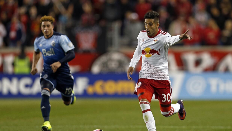 Gonzalo Verón en acción contra Vancouver Whitecaps.