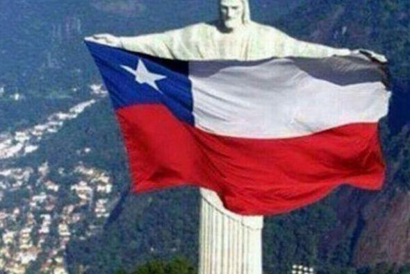 No podía faltar la bandera con el Cristo Redentor. Todo sobre el...