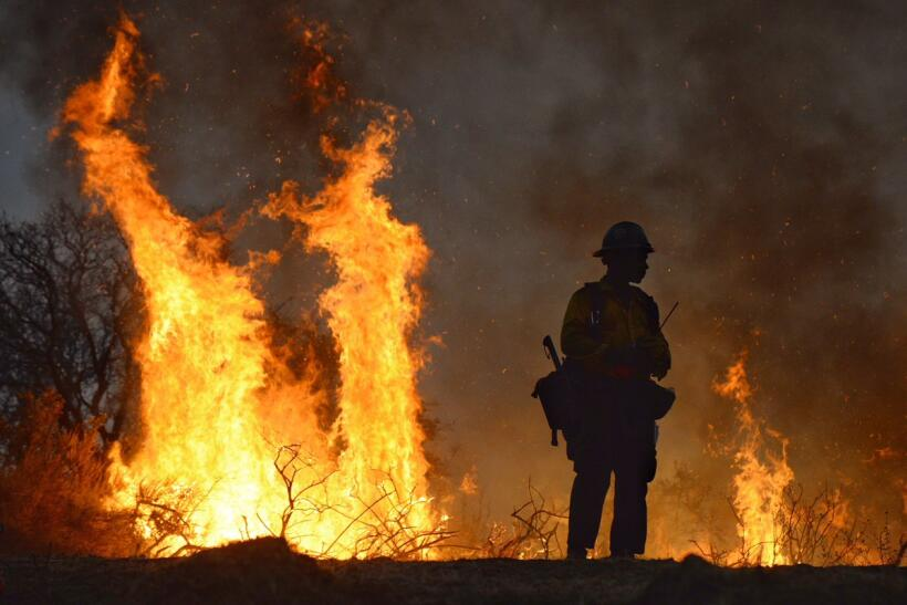 """Incendio """"Sherpa"""" consume 7,648 acres en Santa Bárbara."""