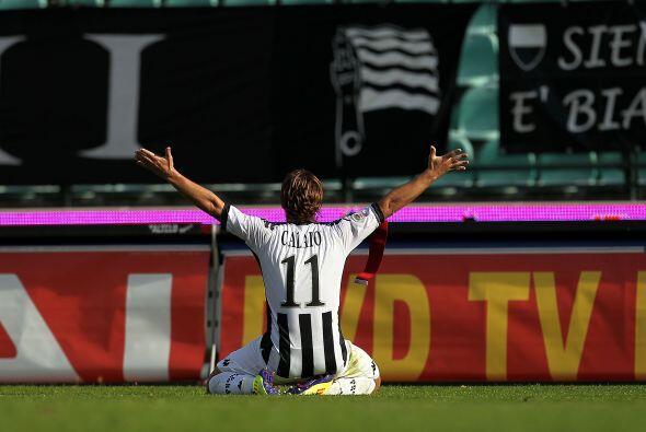 Mattia Destro marcó para el Siena en dos ocasiones.