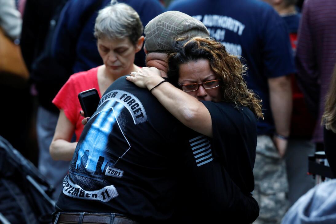 Algunos se fundieron en abrazos recordando a sus seres queridos.
