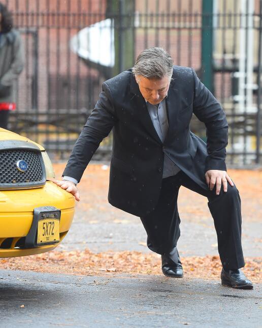 El actor cruzaba las calles de Manhattan sin precaución y fue embestido...