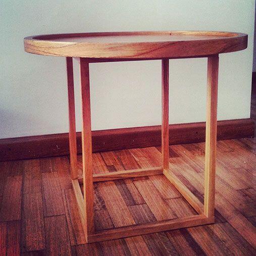 Detalles rústicos. Al elegir espejos, mesas bajas, mesas de apoyo o de a...