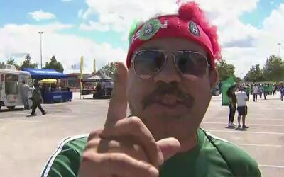 Aficionados mexicanos de Houston palpitan la previa del duelo de su sele...