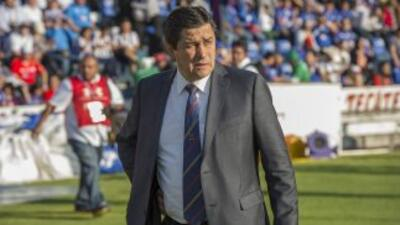 El 'Flaco' Tena vio cortada su cuarta etapa como entrenador cruzazulino,...