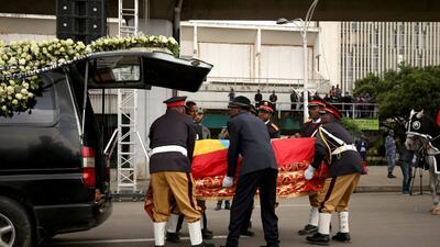 En fotos: Miles de personas asisten al funeral del ingeniero etíope Simegnew Bekele