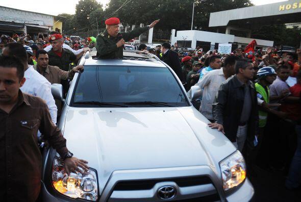Venezuela: Para  otros recorridos, Chávez cuenta con una flotilla de SUV...