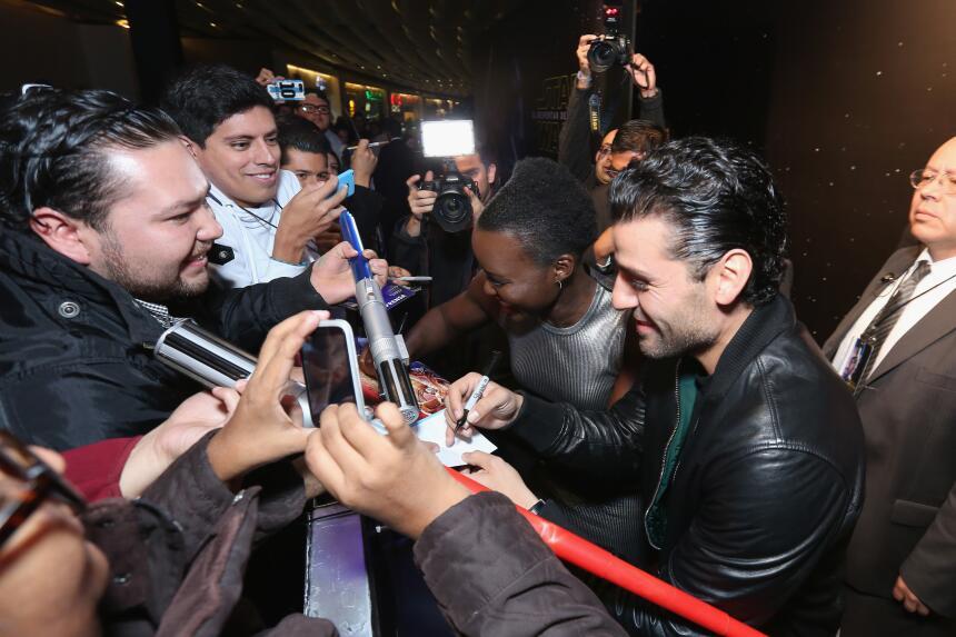 Lupita Nyong'o y Oscar Isaac en México