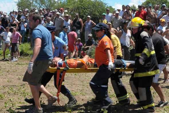 El piloto estaba desconsolado luego del accidente y se quedó hasta la ll...