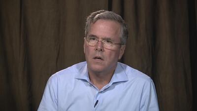 Jeb Bush durante su entrevista con Univision Noticias