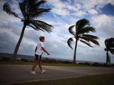 El huracán 'Sandy' ya clamó dos docenas de vidas en el Car...