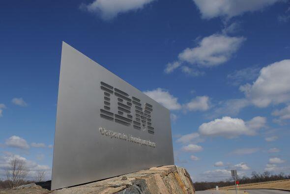 En cambio, IBM llegó tarde al mercado de los ordenadores personales en l...