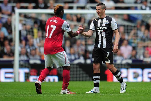 Estas son las dos caras del bipolar Joey Barton, jugador del Newcastle....