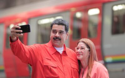 El presidente Nicolás Maduro y la primera dama de Venezuela, Cili...
