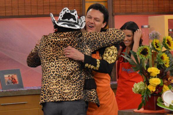 Y del chisme pasamos a la cocina donde 'El Tigere del Norte' le dio a Pe...