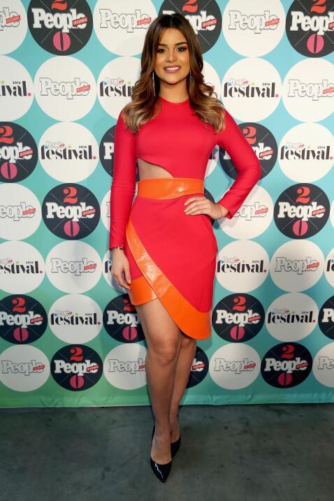 Clarissa Molina sabe que el color rojo siempre la hace lucir perfecta.