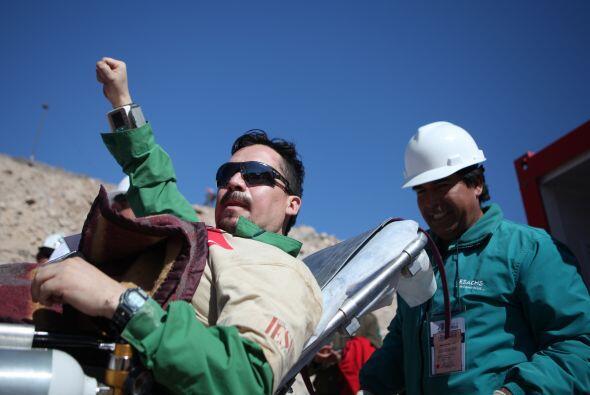 Edison Peña, el minero número 12 de los 33 rescatados de la mina de San...