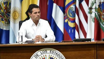 Señalan a Enrique Peña Nieto de espiar a opositores y críticos a través...