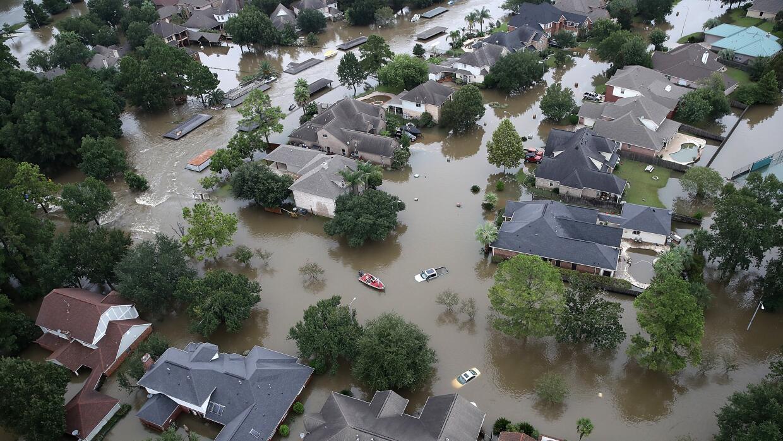Muchas personas lo perdieron todo debido al huracán Harvey, excepto lo q...