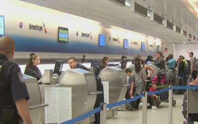 Decenas de vuelos son cancelados en el Aeropuerto Internacional de Miami