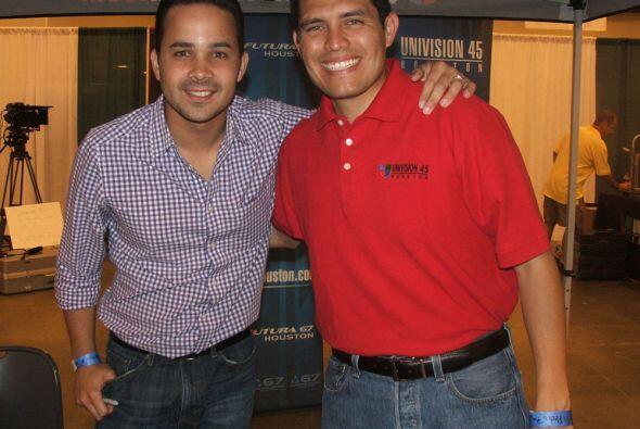 Otros periodistas muy reconocidos son Carlos Robles y Pedro Rojas.  El e...