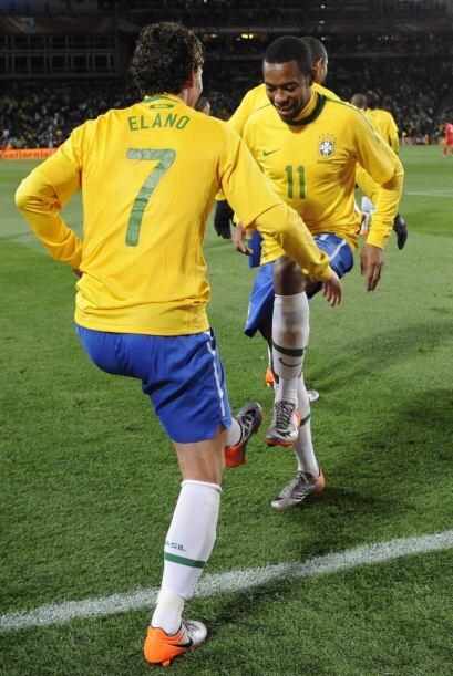 Uno de los más conocidos es Elano, jugador brasileño que participó en el...