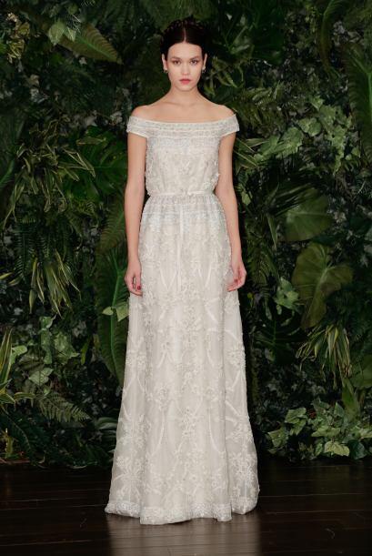 Y, siguiendo con vestidos tradicionales, este sería el diseño de la novi...