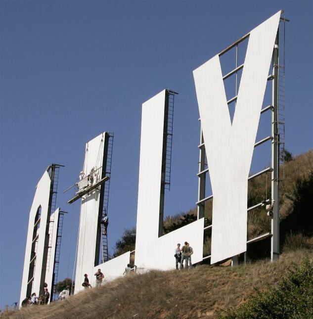 Una década después de la última mano de pintura, el letrero de Hollywood...