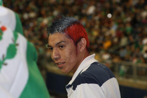 El rostro de los mexicanos se mostraba ansioso por un gol en el segundo...