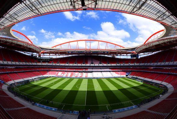 El Estadio de la Luz de Lisboa está listo para recibir al Real Madrid y...