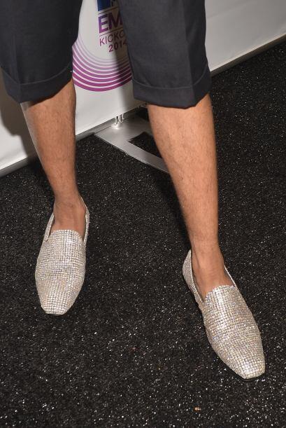 No es que se vea mal, pero no es necesario que los zapatos estén repleto...