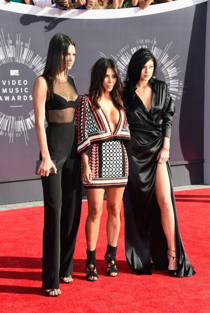 Aquí posando las tres hermanas, ¿adivinen quién de ellas fue la peor ves...