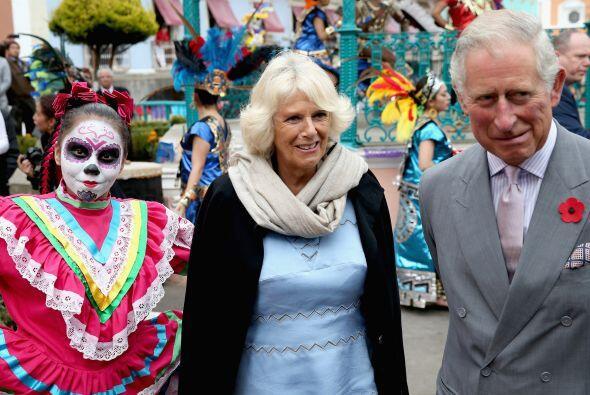 El 2 de noviembre, comenzó la visita del príncipe de Gales con la duques...