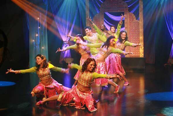 El grupo presentó algunos de los bailes clásicos de la India.