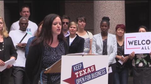 Empresas se unen a activistas para exigir a legisladores de Texas que re...