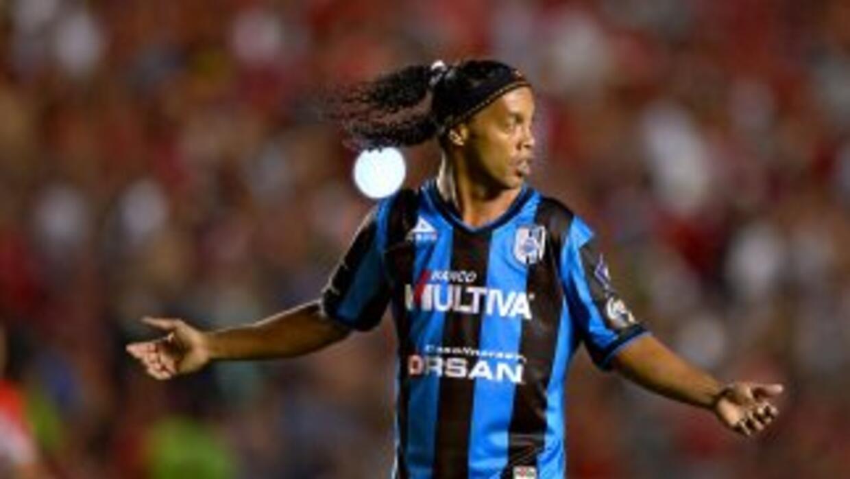 Ronaldinho jugó 76 minutos en el juego que empataron los Gallos con Toluca.