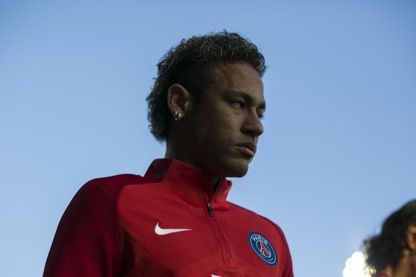 """Cavani sobre Neymar: """"Se agrandaron mucho cosas que sucedieron en una ca..."""