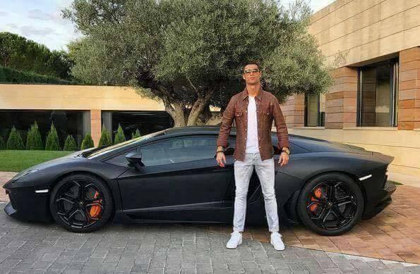 ¡Vaquero y maniquí!: memes de Cristiano Ronaldo en la presentación de su...