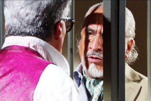 Usted tiene un enorme corazón don Nicolás, ayudó a Bruno sin pedirle exp...