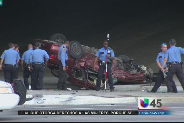 Una persecución policiaca en la autopista 59 norte dejó a una mujer muer...